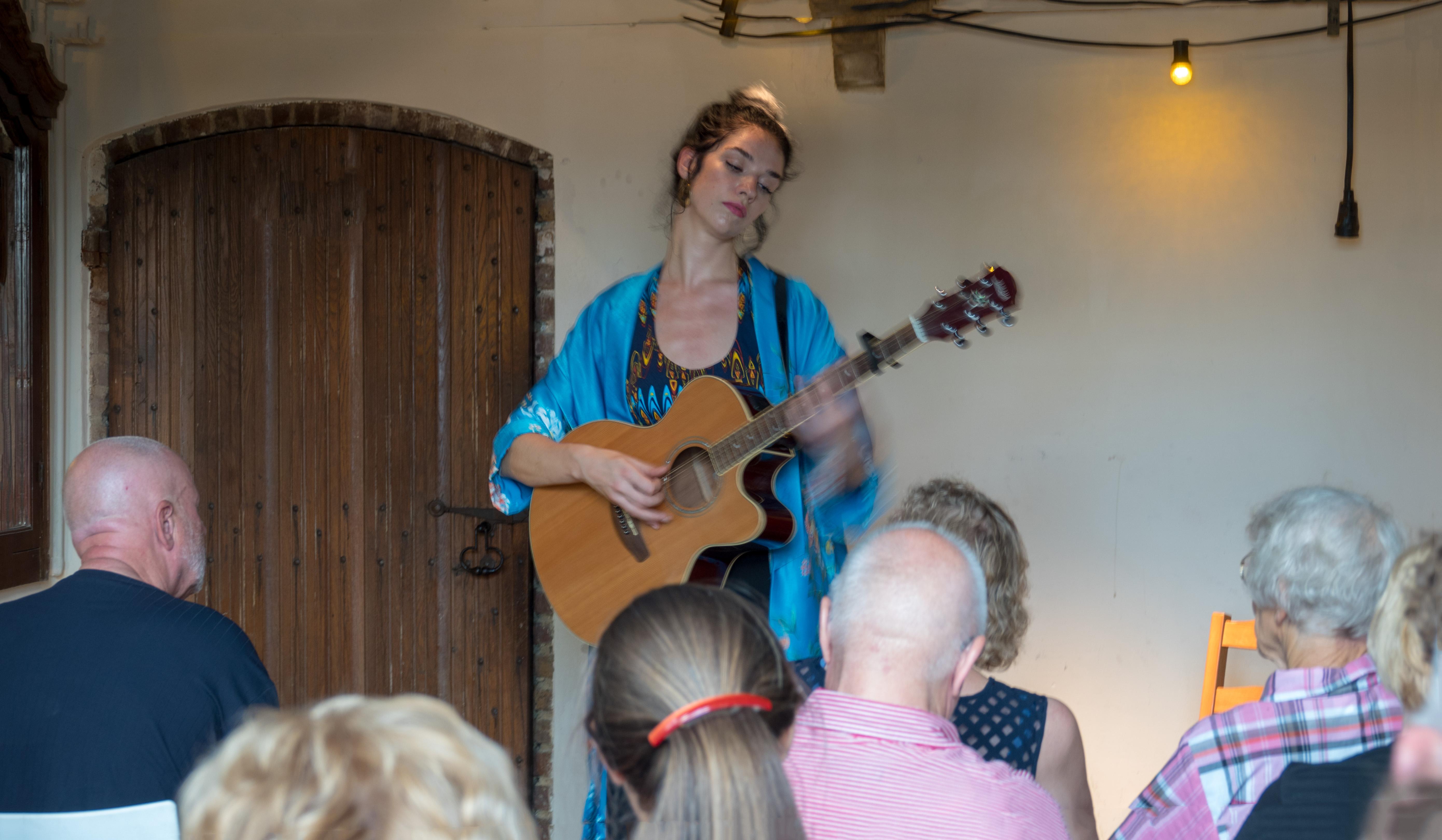 Prikkelarm concert door Chayah
